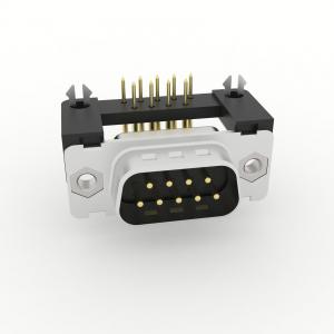 D-Sub Steckverbinder Standard Einlötanschluss abgewinkelt 8,08mm mit Kunststoffwinkel und Erdungsclip